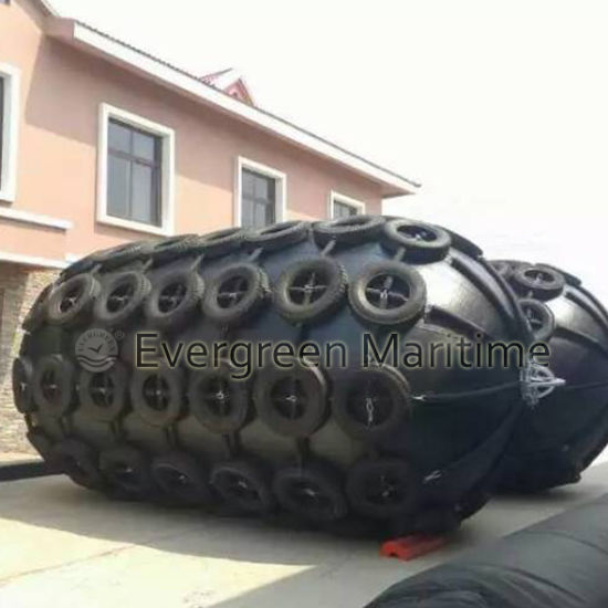 World Largest 4.5 M Diameter Yokohama Pneumatic Rubber Fender, Marine Floating Inflatable Type for Barges Sts Transfers and Pier, Port Docks