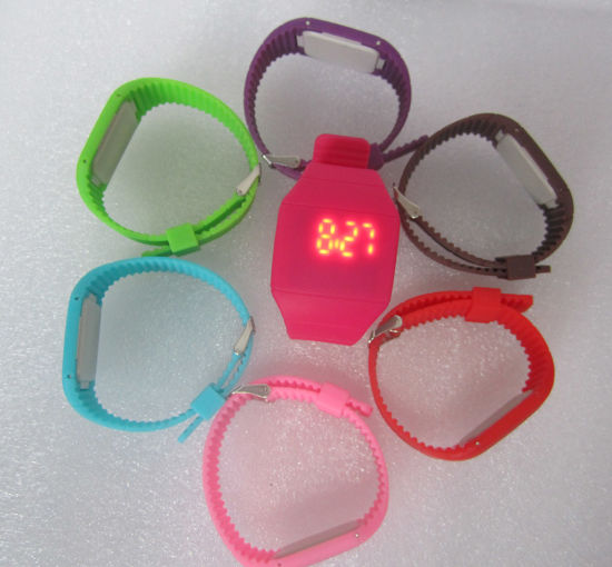 Fashion LED Silicone Wristband Digital Watch for Promotion