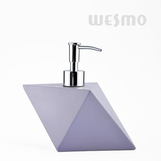 Rhombus Hotel Decoration Resin Lotion Dispenser/Bathroom Accessory Set (WBP1278A) pictures & photos