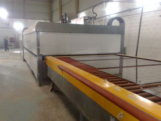Horizontal Glass Flat and Bending Tempering Furnace pictures & photos