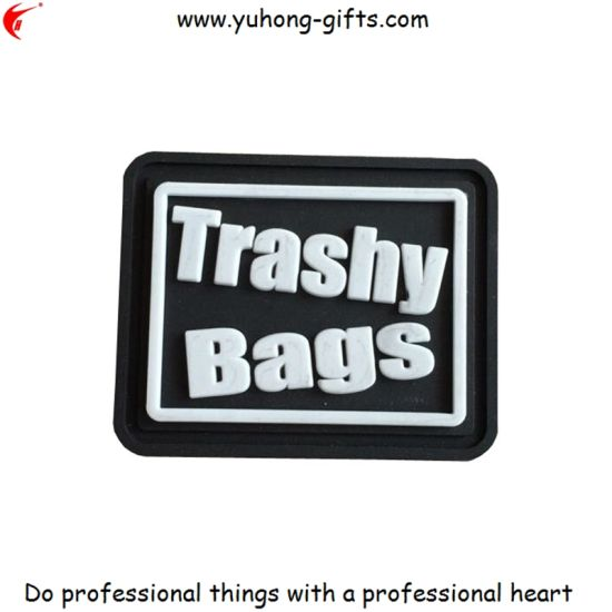 2016 PVC Rubber Label Patch for Bags (YH-L051) pictures & photos
