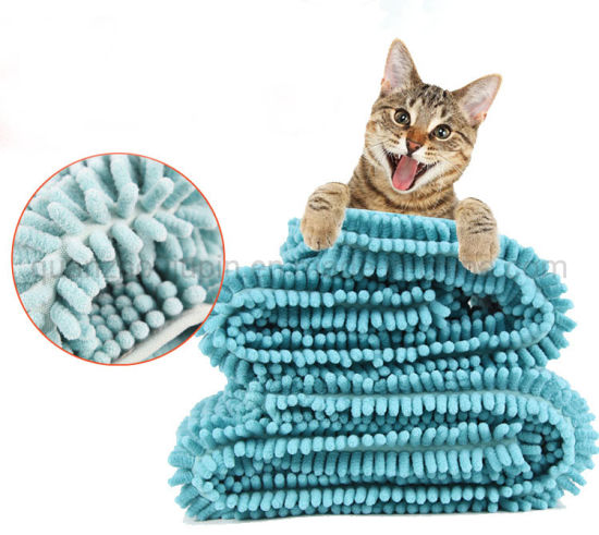 OEM Chenille Fabric Super Absorbency Pet Bathing Towel pictures & photos