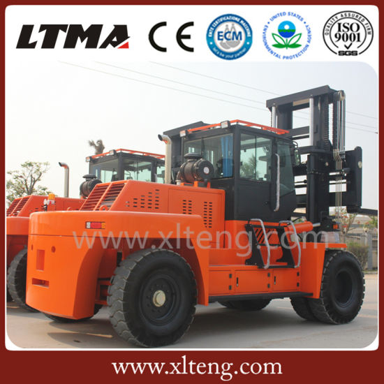 Chinese Construction Machinery 30t Diesel Forklift with Strong Load Ability pictures & photos