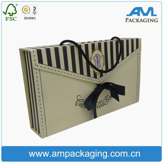Folding Flat Printing Square Lingerie Packaging Box with Handle pictures & photos