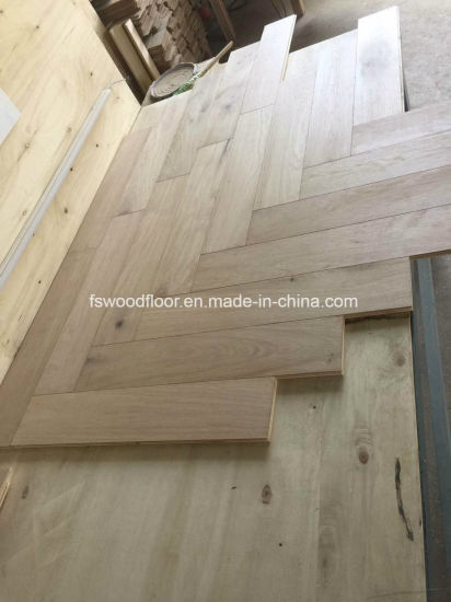 Natural Oak Herringbone Parquet Wood Flooring pictures & photos