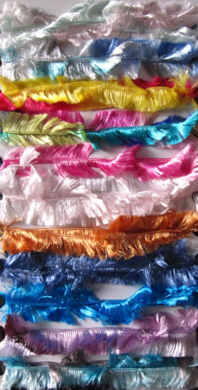 100% Polyester Boa Feather Yarn pictures & photos