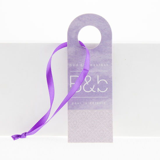 Custom Logo UV Cardboard Folded Garment Hang Tag with Ribbon pictures & photos