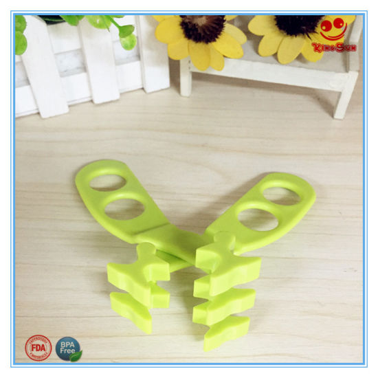 BPA Free Plastic Scissors Baby Care Products pictures & photos