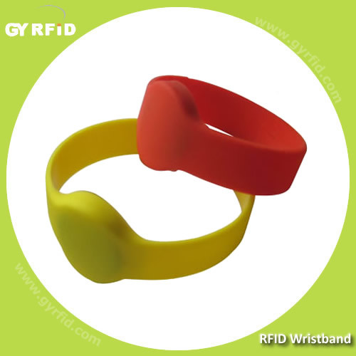 ISO14443A NFC MIFARE 1k, 4k Ultralight Ntag213 Silicon Wrist Band Bracelet pictures & photos