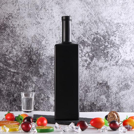 High End 750ml Matt Black Vodka Bottle Liquor Alcohol Brandy Glass Bottle Factory in China