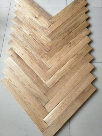 ABC Grade European Oak Hardwood Flooring Herringbone Parquet pictures & photos