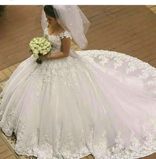 Luxury Wedding Ball Gowns 3D Flowers Puffy Cap Sleeves Bridal Dresses W201794