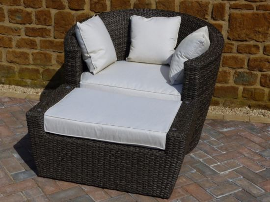 Geneva Outdoor Rattan Chair Set pictures & photos