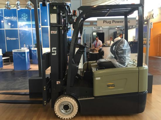 2000kgs Capacity Three Wheel Electric Forklift pictures & photos