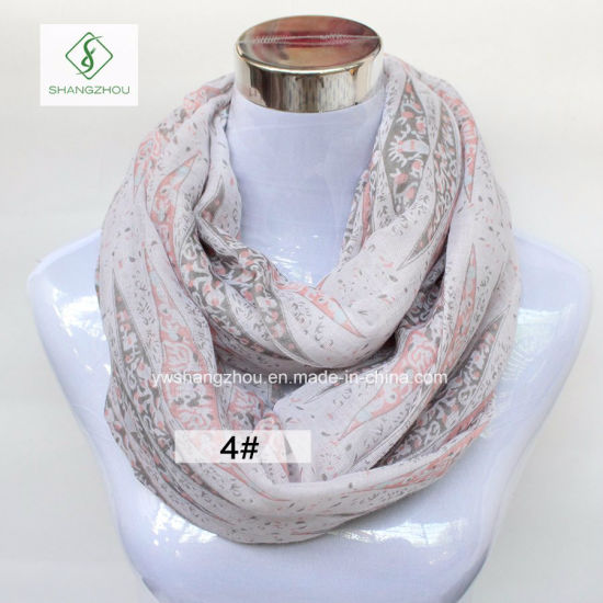 2018 Hot Sale Europe Geometric Printed Fashion Lady Infinity Scarf pictures & photos