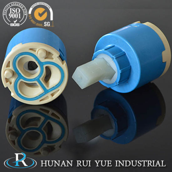 95-98% Alumina Faucet Ceramic Disc/Ceramic Disc Cartridge for Od11.5-32.5mm pictures & photos
