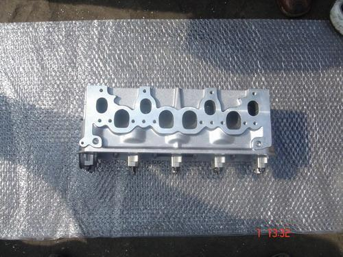 Engine Cylinder Head for V. W B5 Aaz 028103351b pictures & photos