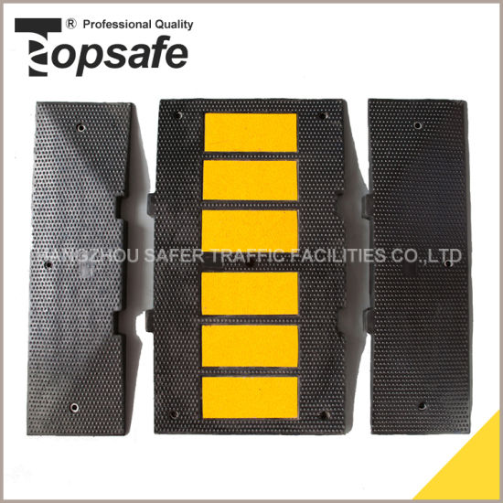 High Quality Rubber Speed Hump with Reflective Tape (S-1121) pictures & photos