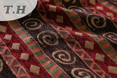 Lovely Jacquard and Wholesale Chenille Fabric of Sofa and Furniture pictures & photos