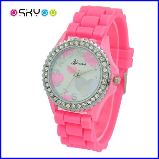 Fashion New Arrival Forever Collection Geneva Watches (P5900) pictures & photos