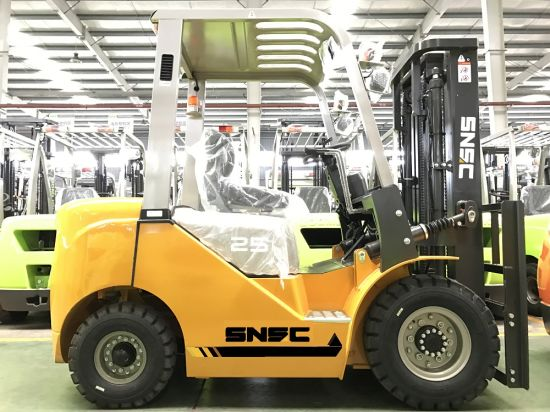 Japan Mitsubishi Engine 2.5 Ton Counterbalance Forklift pictures & photos