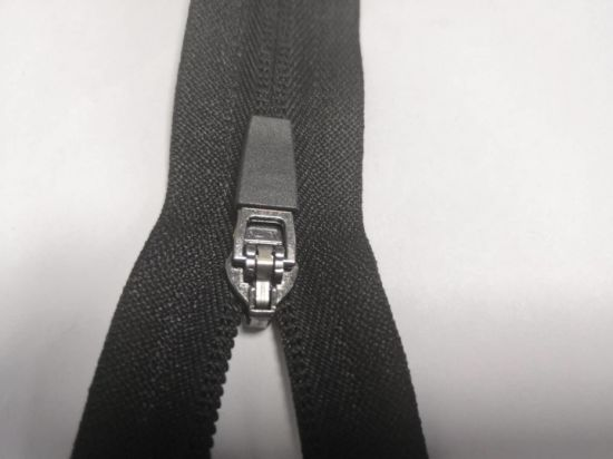 Closed&Open End Nylon Zipper with Nonlock for Clothing/Garment/Shoes/Bag/Case