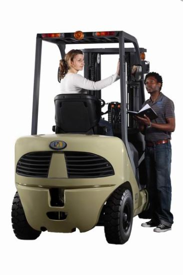 Gasoline Forklift Truck 1.5t pictures & photos