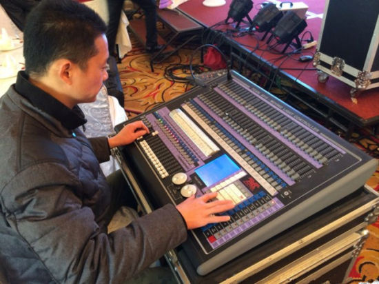 Professional DMX Console Super DMX 512 Light Controller pictures & photos