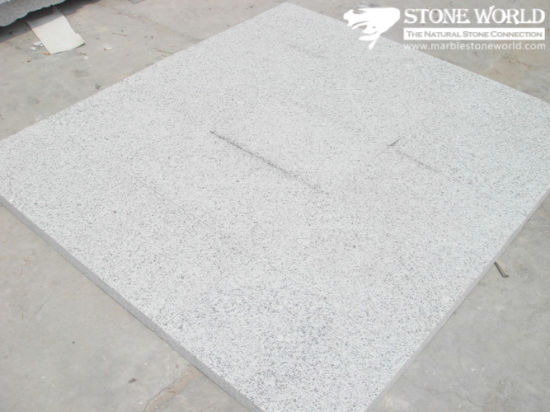 China Popular Cheap Polished G697 Grey Flooring Tile For Chinease