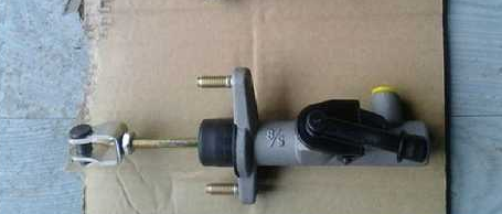 Coach Clutch Master Cylinder/Bus Clutch Master Cylinder pictures & photos