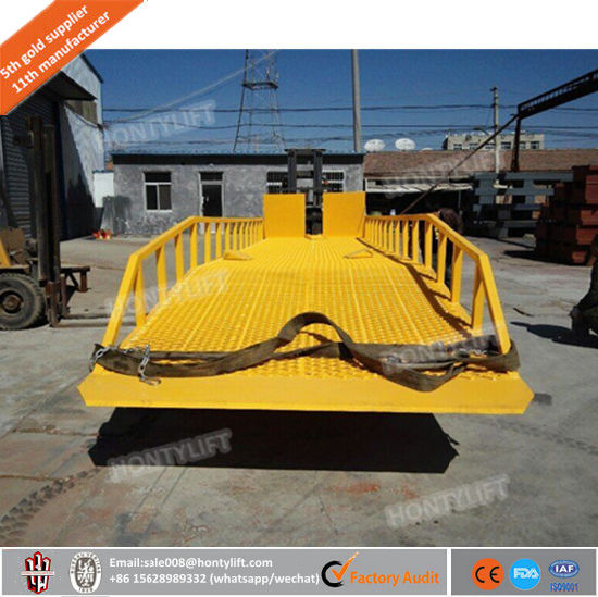 10% Discount off Manual Dock Ramps Mobile Loading Unloading Yard Ramp pictures & photos