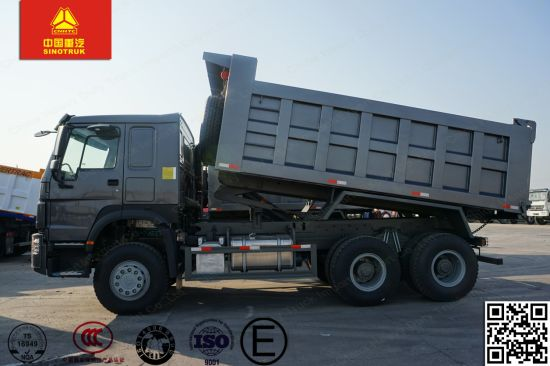 Sinotruk HOWO LHD/Rhd 6X4/8X4 336/371HP Tipper Truck pictures & photos