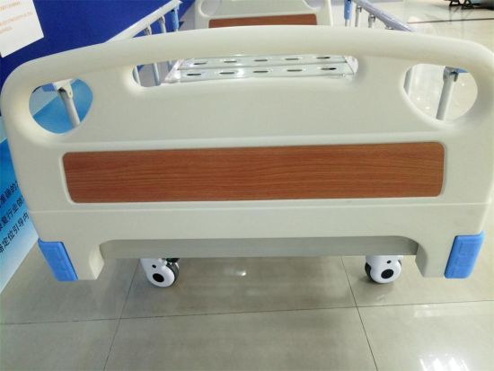 Three Cranks Manual Hospital Medical Bed with Locking Casters pictures & photos