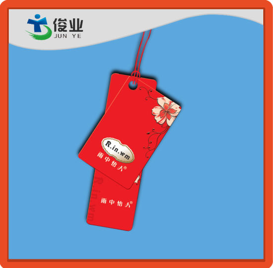 Custom Red Clothing Hang Tags pictures & photos