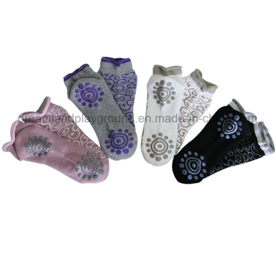Digital Printed Anti-Slip Custom Indoor Trampoline Bounce Compression Socks pictures & photos