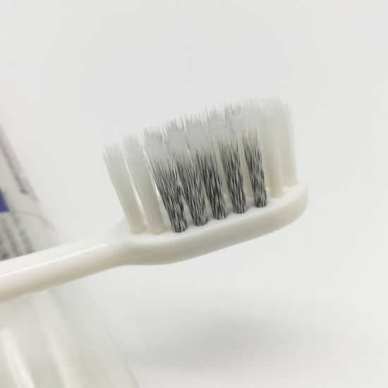 Daily Adult Toothbrush with Helix Bristles 167 pictures & photos