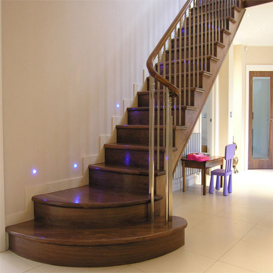 China Euro Hot Straight Steel Wood Grill Design Staircase Space