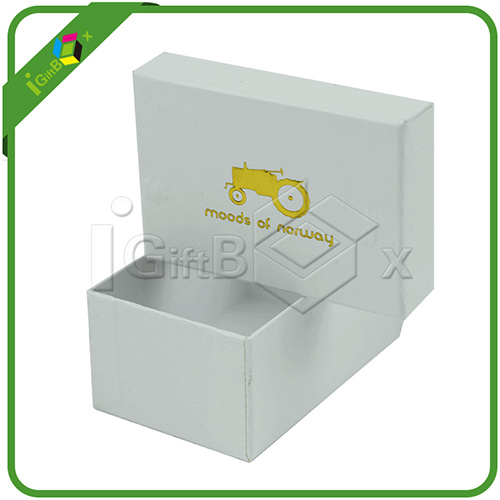 White Small Gift Packaging Boxes with Logo Embossed pictures & photos