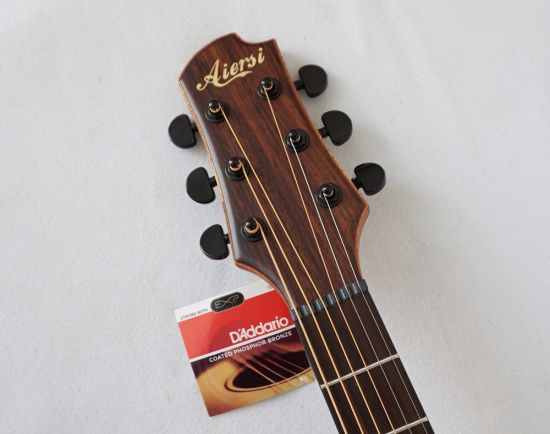 Hot Sale Top Solid Acoustic Guitar with Attractive Design pictures & photos