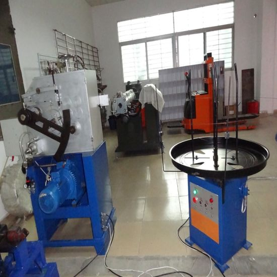 New Promotion Mechanical Spring Coiling Machine Durable in Use pictures & photos