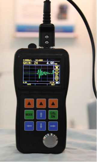 Ultrasonic Color Waveform Corrosion Thickness Gauge pictures & photos