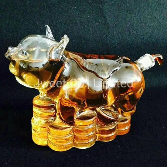 Quality Animal Pig Shape High Borosilicate Alcoholic Glass Bottle