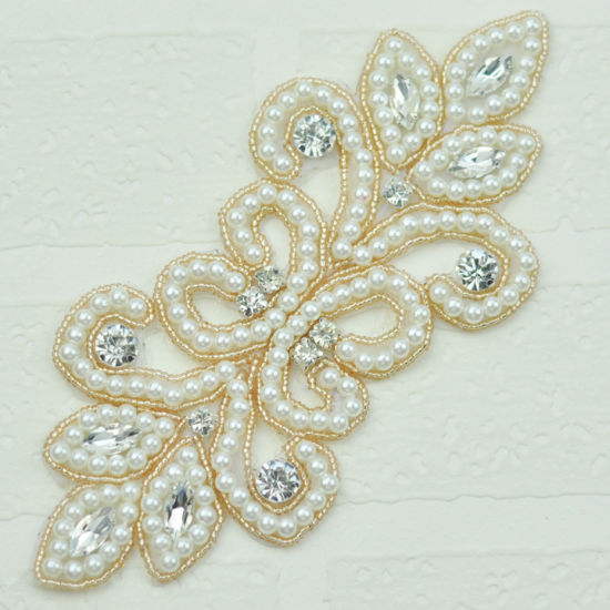 Wholesale Beaded Rhinestone Applique Fashion Wedding Accessories pictures & photos