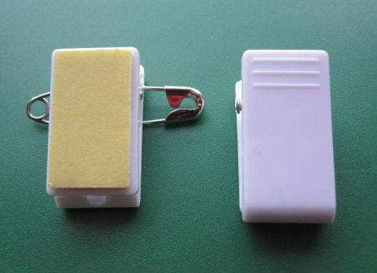 Pressure-Sensitive Plastic ID Card Name Badge Clips with Sticky Pad