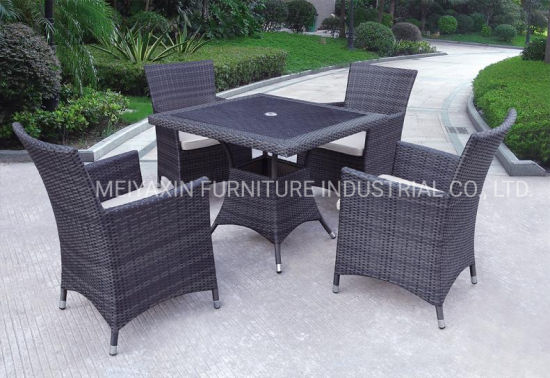 Putdoor Dining Set Dining Table with Center Hole for Umbrella
