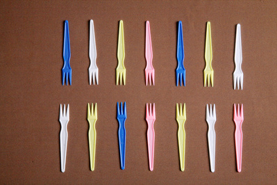 Colorful Plastic Fruit Sticker Food Fork Fruit Fork pictures & photos