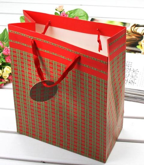 Car Small Gift with Red String Bag Paper pictures & photos