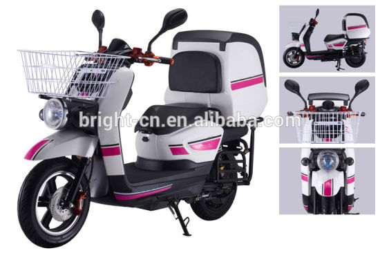 Food Delivery Electric Scooter Motorcycle/Motorbike with Cabin Warm Box pictures & photos