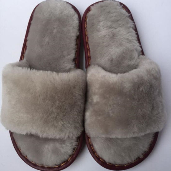 Factory commercial mittens and gloves, fur and sheepskin-fur