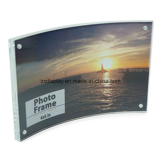 China Free Standing Curved Acrylic Photo Frames With Magnetic